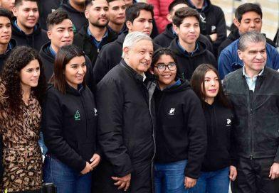Aumenta AMLO $148 pesos a becas de 'Jóvenes Construyendo el Futuro'