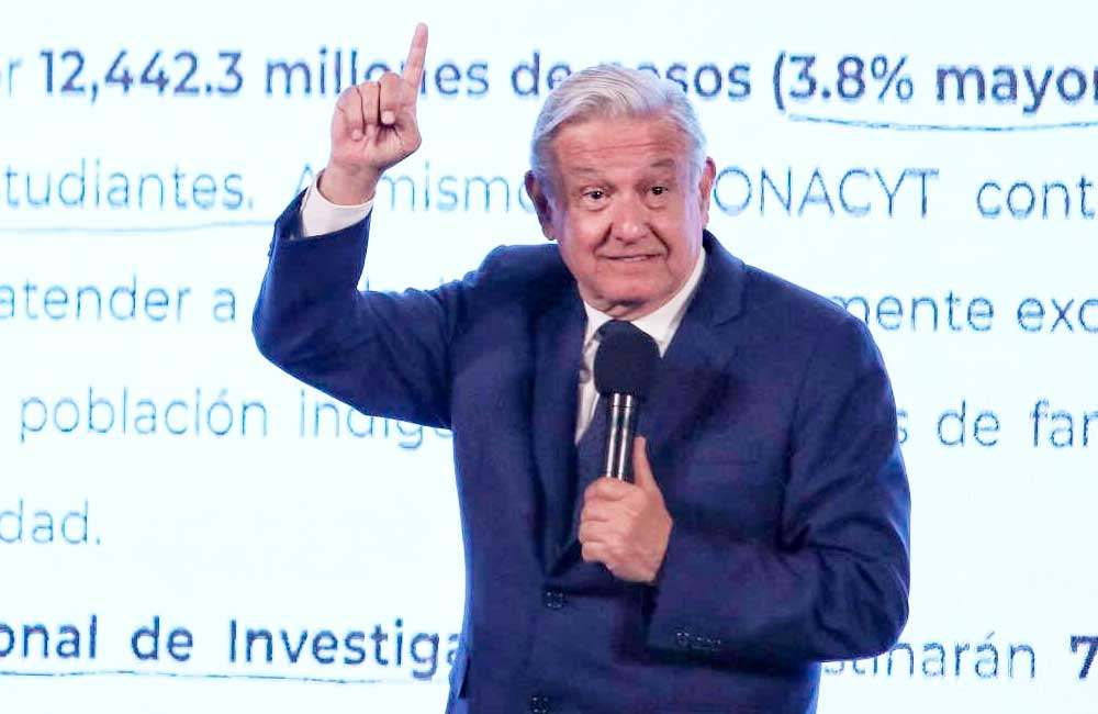 """""""El que nada debe, nada teme"""", dice López Obrador a científicos del Conacyt"""