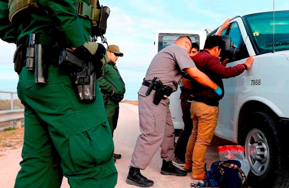 Revelan más de 160 casos de abusos policiales, a solicitantes de asilo en EE.UU.