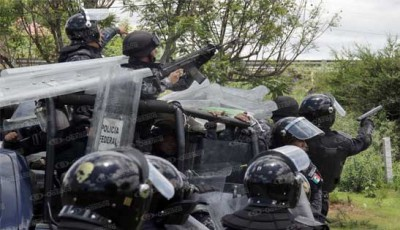 Gendarmes de Peña Nieto, armados en Nochixtlán. Fotoes.mx